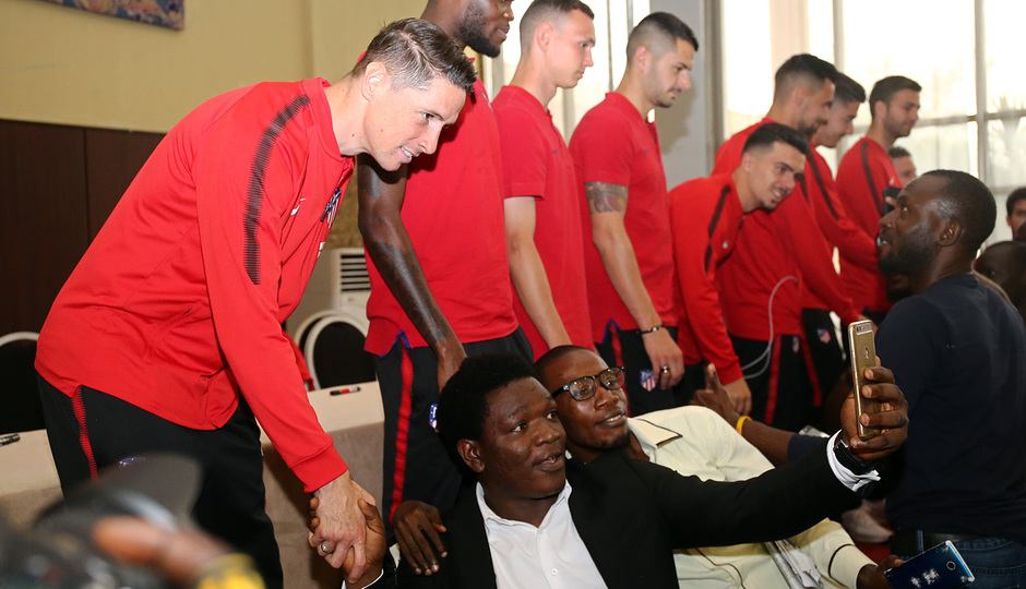 Temp. 17-18 | Meet and greet Nigeria | Fernando Torres
