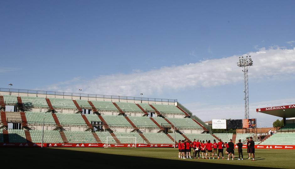 Temp 17/18 | Atlético de Madrid Femenino | Eentrenamiento en el estadio Romano de Mérida | Final Copa de la Reina |