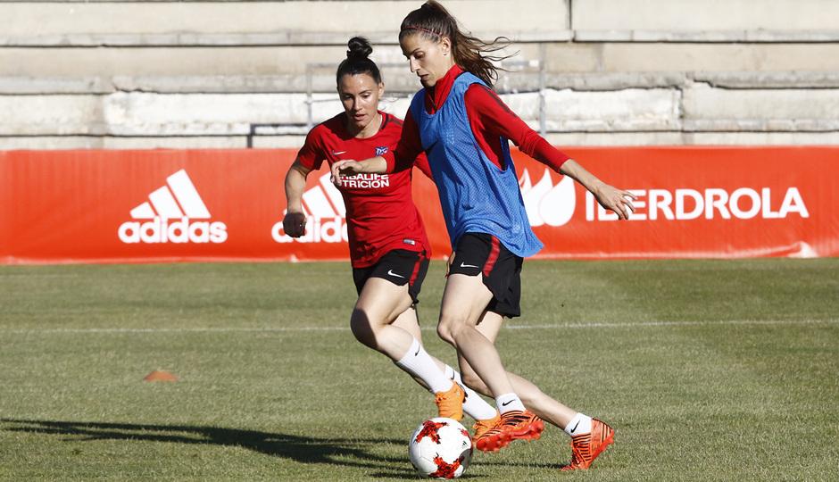 Temp 17/18 | Atlético de Madrid Femenino | Eentrenamiento en el estadio Romano de Mérida | Final Copa de la Reina | Laura Fernández