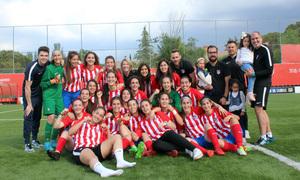 Temp. 17-18   Atlético de Madrid Femenino C   Senior C categoría Preferente   Foto de equipo celebración de Liga