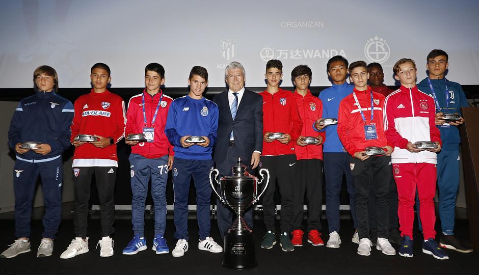 Los equipos de la Wanda Cup visitan el Wanda Metropolitano
