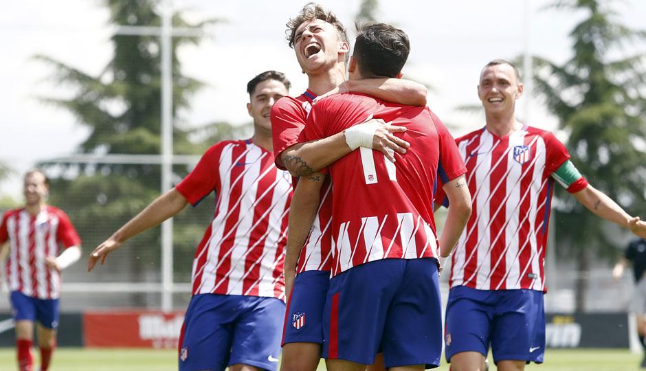 Temporada 17/18 | Copa del Rey Juvenil, semifinal | Atlético - Athletic | Celebración, piña