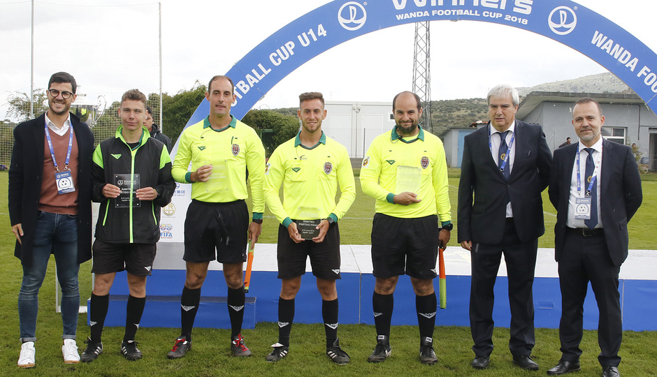 Wanda Football Cup   Entrega de trofeos   Cuerpo arbitral