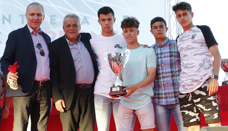 Temp 17/18 | Gala entrega de la Liga Real Federación de Fútbol de Madrid en Matapiñonera | Cadete A masculino