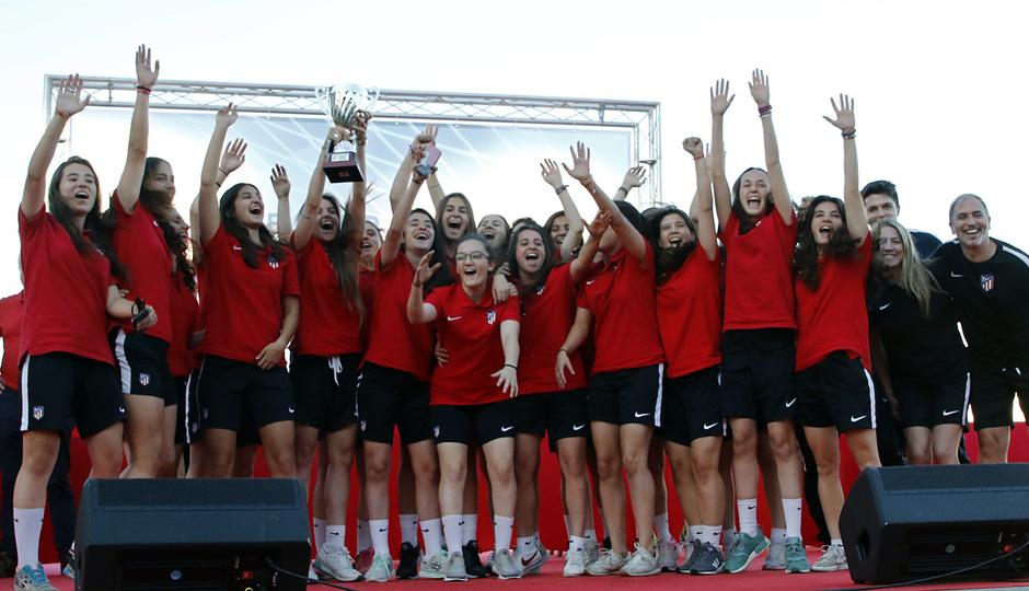 Temp 17/18 | Gala entrega de la Liga Real Federación de Fútbol de Madrid en Matapiñonera | Femenino C