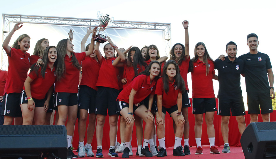 Temp 17/18 | Gala entrega de la Liga Real Federación de Fútbol de Madrid en Matapiñonera | Femenino Juvenil C