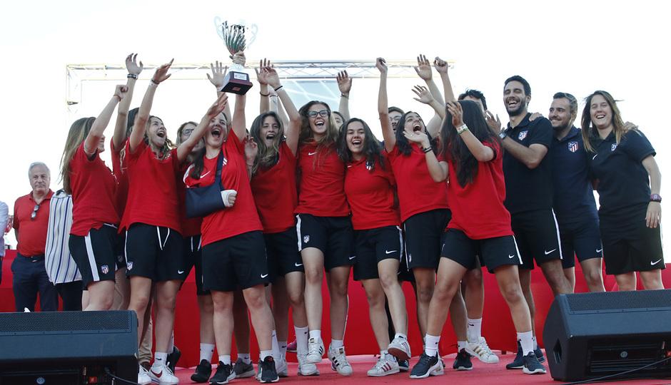 Temp 17/18 | Gala entrega de la Liga Real Federación de Fútbol de Madrid en Matapiñonera | Femenino Juvenil A