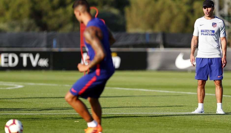 Temporada 18/19. Entrenamiento en la ciudad deportiva Wanda Atlético de Madrid. 13_07_2018. Simeone.