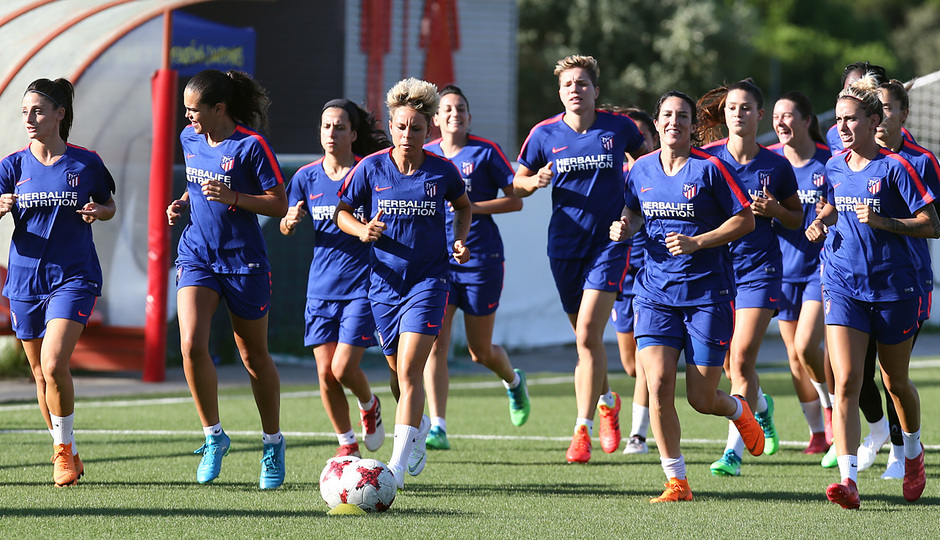 Temp. 18-19 | Primer entrenamiento del Atlético de Madrid Femenino en la Ciudad Deportiva Wanda |