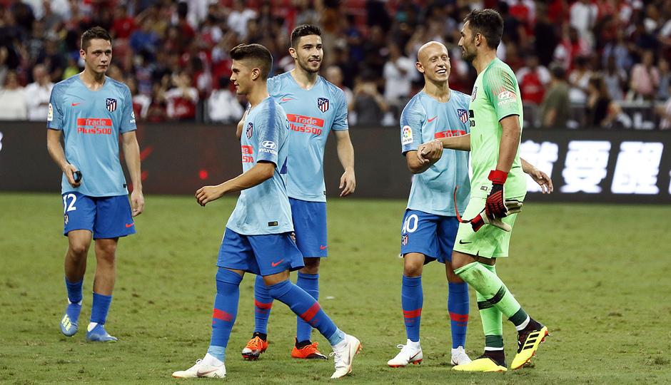 Temporada 2018-2019 | ICC Singapur | Atlético de Madrid - Arsenal | Adán y compañeros