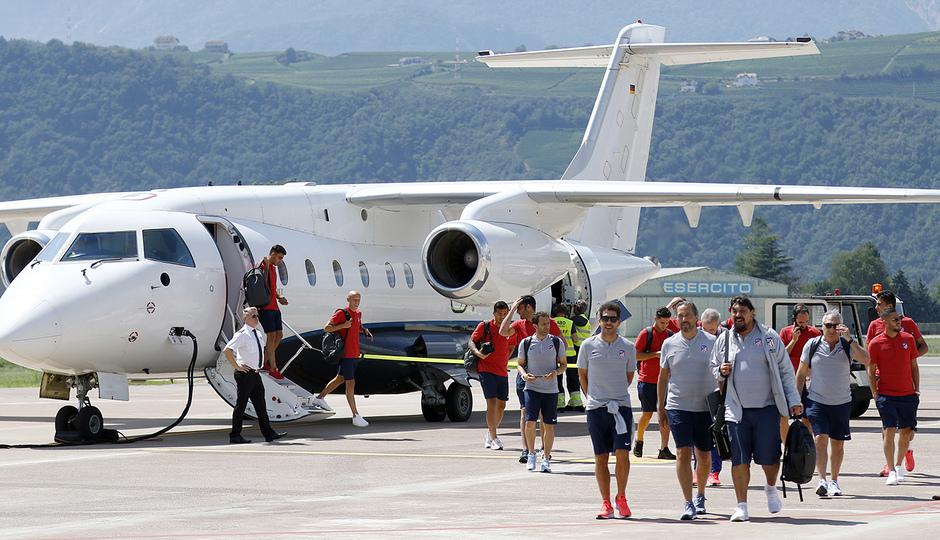 temporada 18/19. Llegada del equipo a Bolzano, Italia.
