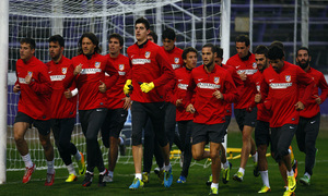 Temporada 13/14. Gira sudamericana. Entrenamiento en el estadio Luis Franzini, Equipo corriendo