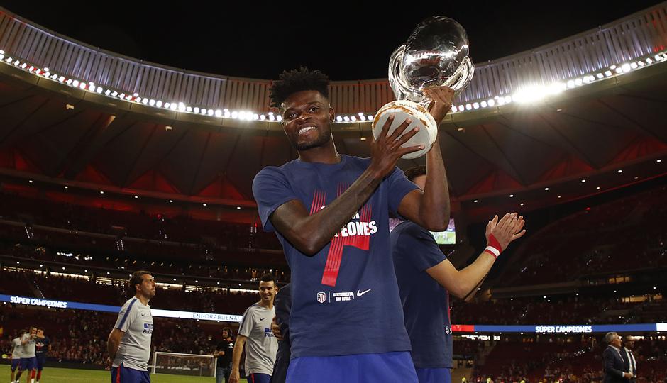 Temporada 2018-2019 | Celebración Supercopa de Europa | Thomas
