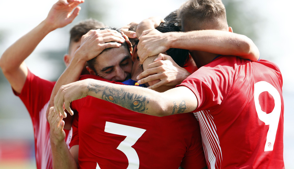 Temp. 18-19 | Atlético de Madrid B - Real Madrid Castilla | Celebración | Piña