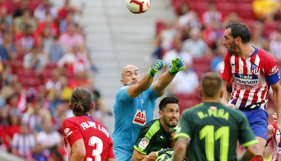 Temporada 2018/2019. Atlético de Madrid vs SD Eibar. Godin.