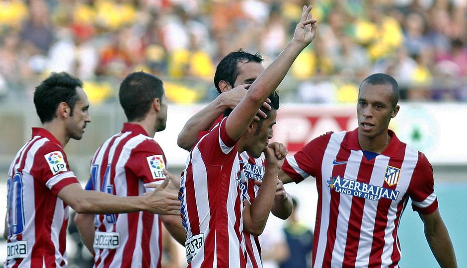 Temporada 2013-14. UD Las Palmas - Atlético de Madrid. David Villa celebra su primer gol con el equipo rojiblanco