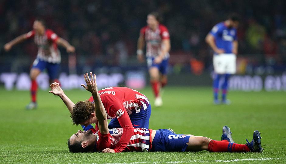 Temp. 18-19 | Atlético de Madrid - Athletic Club | Celebración gol Godín con Griezmann