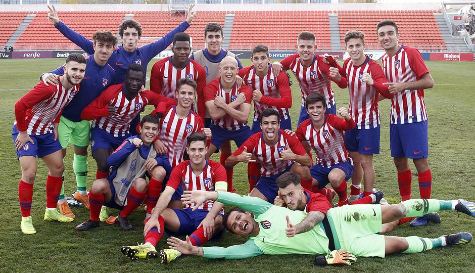 Temp. 18-19 | Juvenil A - Mónaco | Youth League | Celebración grupo