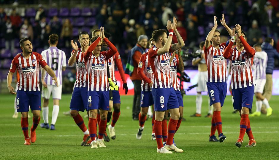 Temporada 18/19 | Valladolid - Atlético de Madrid | Grupo aplaudiendo