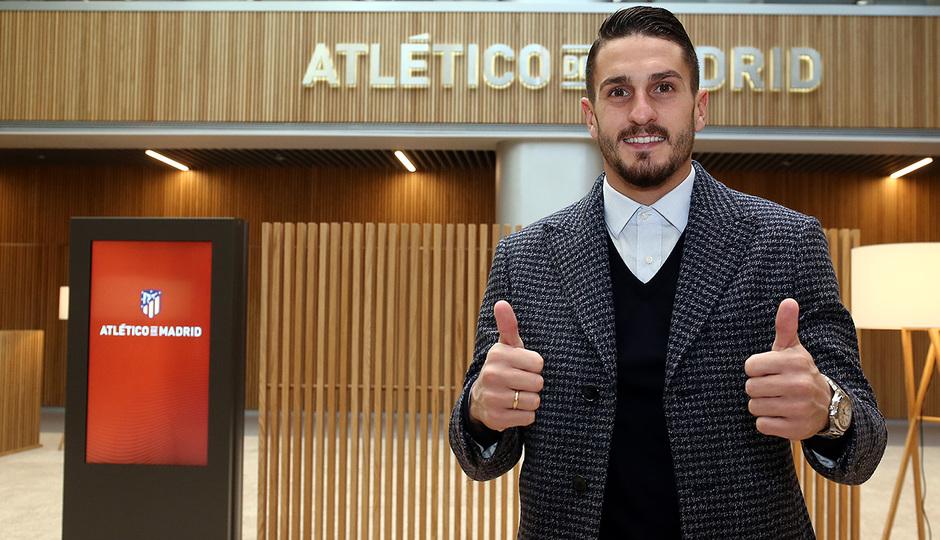 Temporada 18/19 | Visita del primer equipo a las oficinas del Wanda Metropolitano | Koke