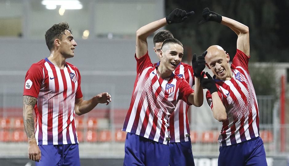 Temporada 18/19 | Atlético B - Pontevedra | Celebración Víctor Mollejo y Camello