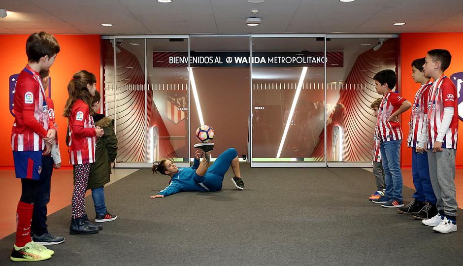 Temp. 18-19 | Entrenamiento en el Wanda Metropolitano abierto al público | free style