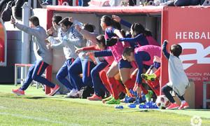 Temporada 2018-2019 | Atlético de Madrid Femenino - Athletic Club | Celebración banquillo