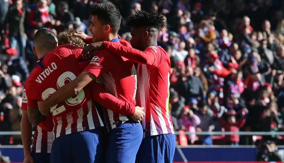 Temp. 18-19 | Atlético de Madrid - Levante | piña celebración