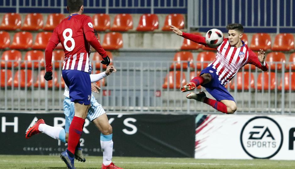 Temp. 18-19   Atlético de Madrid B - Unión Adarve   Óscar Pinchi