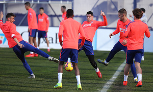 temporada 18/19. Entrenamiento en la ciudad deportiva Wanda. Cristian y Morata durante el entrenamiento