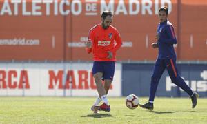 Temporada 18/19. Entrenamiento en la ciudad deportiva Wanda Atlético de Madrid. 22_03_2019. Juanfran.