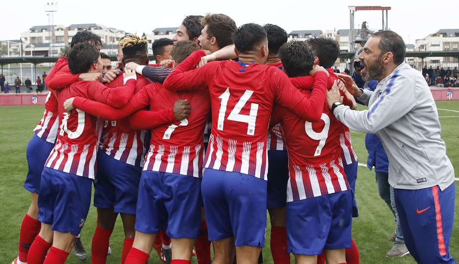 Temporada 18/19 | Celebración del Juvenil A tras ganar el Campeonato de Liga
