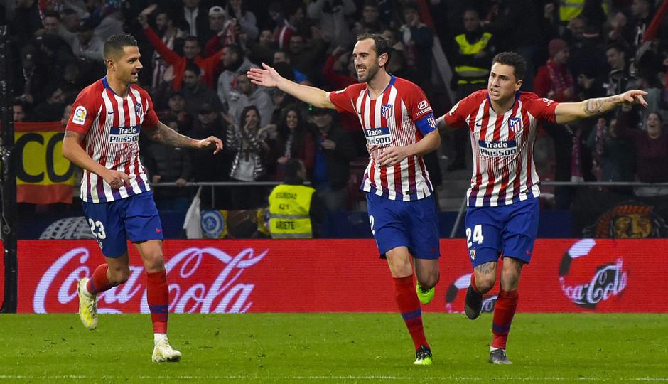 Temporada 18/19 | Atlético de Madrid - Girona | celebración Godín