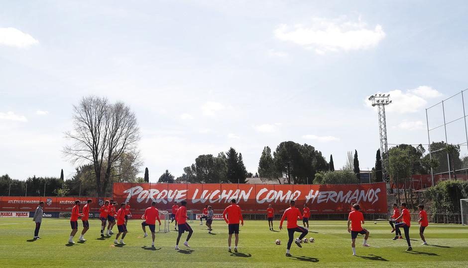 Temporada 18/19. Entrenamiento en la ciudad deportiva Wanda Atlético de Madrid. 16_04_2019. Rondo.