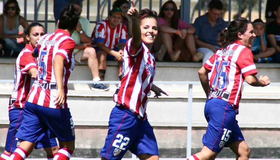 Temporada 2013-2014. Claudia dedicó a los aficionado el segundo ante el Sevilla