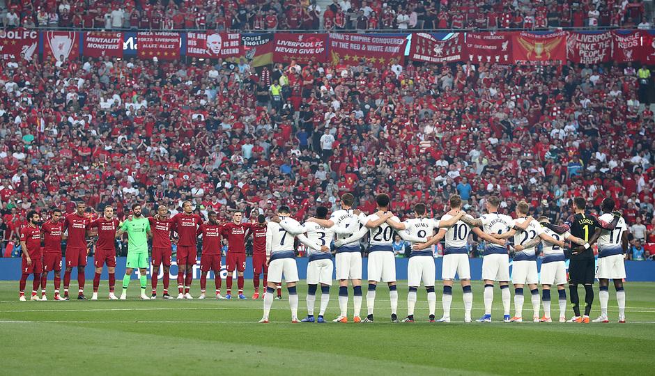 Temp 18/19 | Liverpool - Tottenham | Minuto de silencio Reyes 3