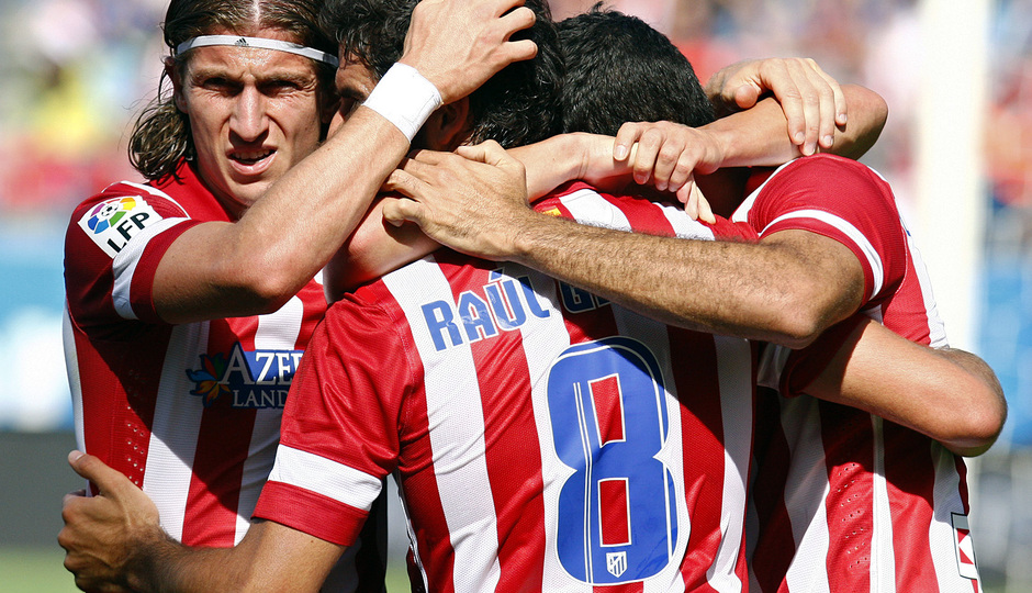 Temporada 2013/ 2014 Atlético de Madrid - Almería Los jugadores celebrando el gol de David Villa