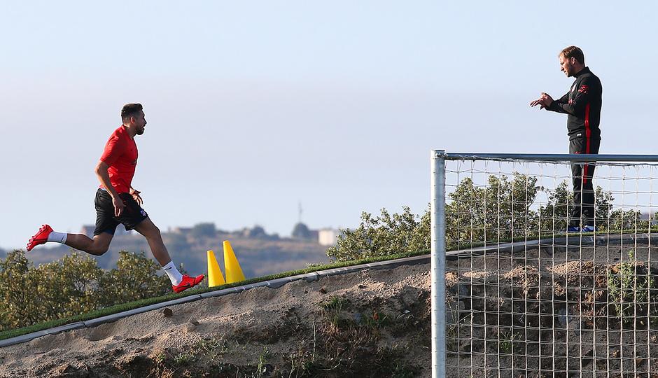 Temporada 19/20. Entrenamiento en los Ángeles de San Rafael. Héctor Herrera durante el entrenamiento