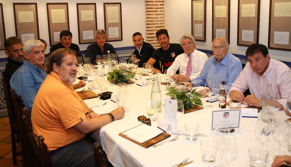 Temp. 19-20   Cena en el restaurante José María  