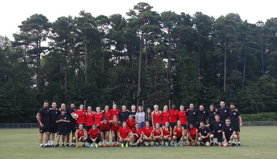 Temporada 19/20 | Entrenamiento del Atlético femenino en Raleigh | Visita Herbalife