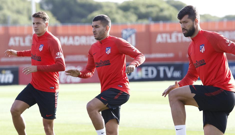 Temporada 19/20   Entrenamiento   Arias, Costa y Felipe