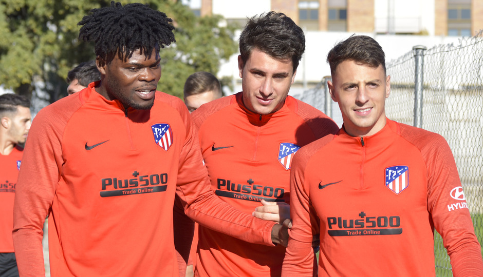 Temporada 19/20 | Entrenamiento del primer equipo previa Valladolid | Thomas, Giménez y Arias