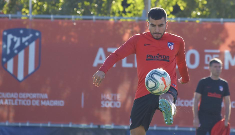 Temporada 19/20 | Entrenamiento del primer equipo previa Valladolid | Correa