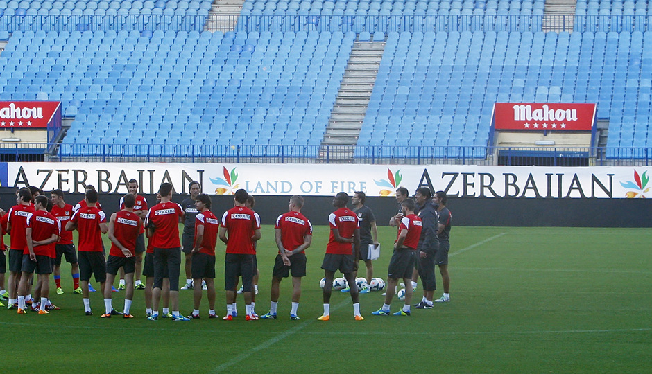 Temporada 13/14. Entrenamiento. Equipo entrenando en el estadio Vicente Calderón