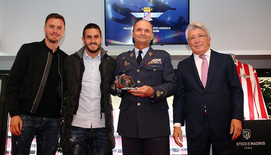 temporada 19/20. Acto homenaje avión Atlético aviación