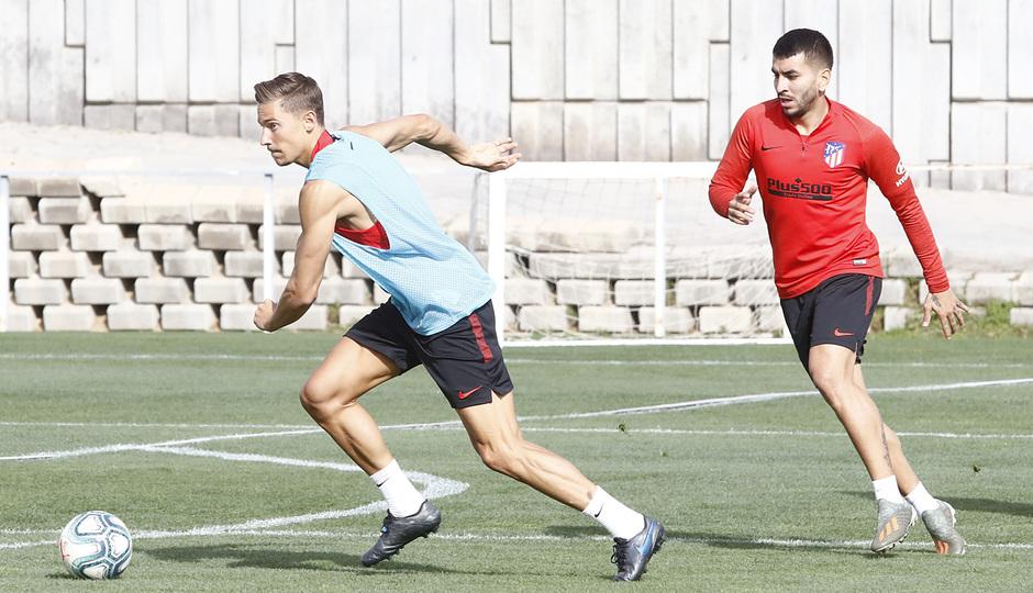 Temporada 19/20   Entrenamiento del primer equipo en la Ciudad Deportiva Wanda Atlético de Madrid   Marcos Llorente