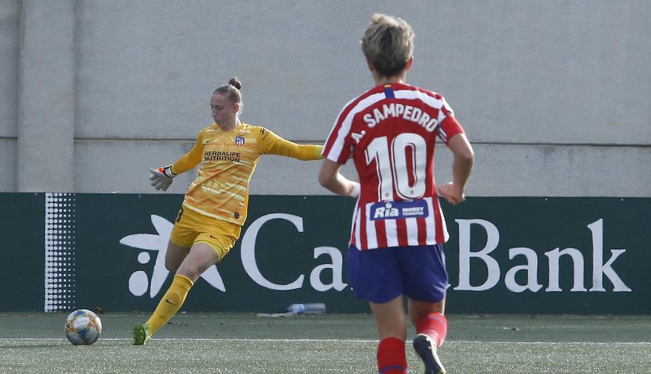 Temporada 19/20   Atlético de Madrid Femenino - Betis   Sari van Veenendaal