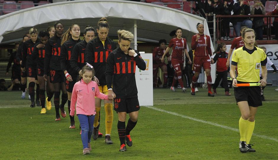 Temp 19/20 | Logroño-Atlético de Madrid Femenino | Equipos saltando al campo