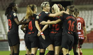 Temp 19/20 | Logroño-Atlético de Madrid Femenino | Piña celebración
