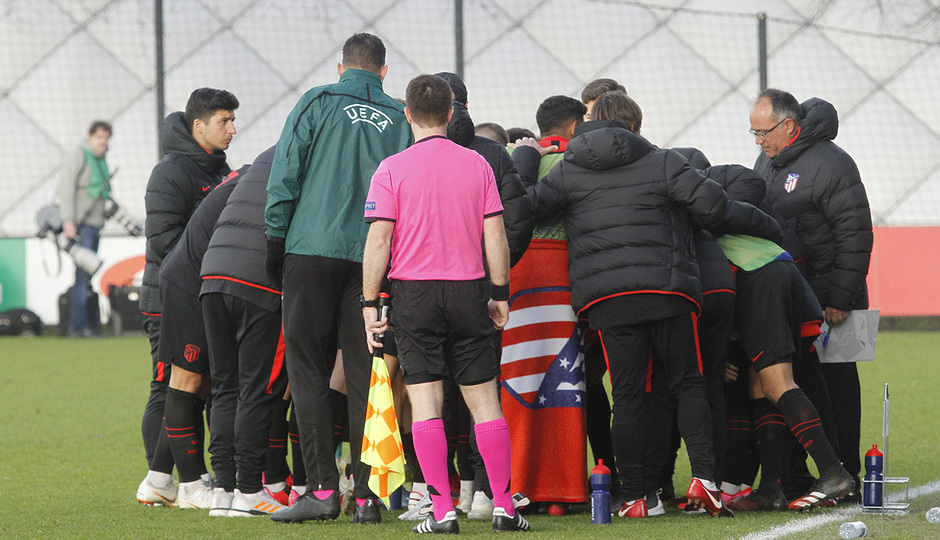 Temp. 19-20 | Ajax - Atlético de Madrid | Youth League | Piña